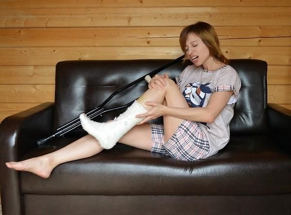 złamanie nogi - terapie w gabinecie PANACEUM